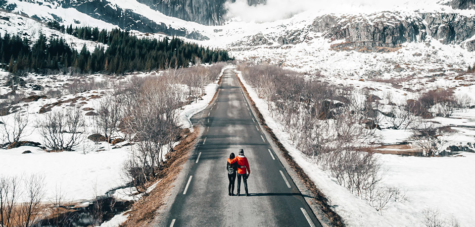 Two people on a road trip in Norway